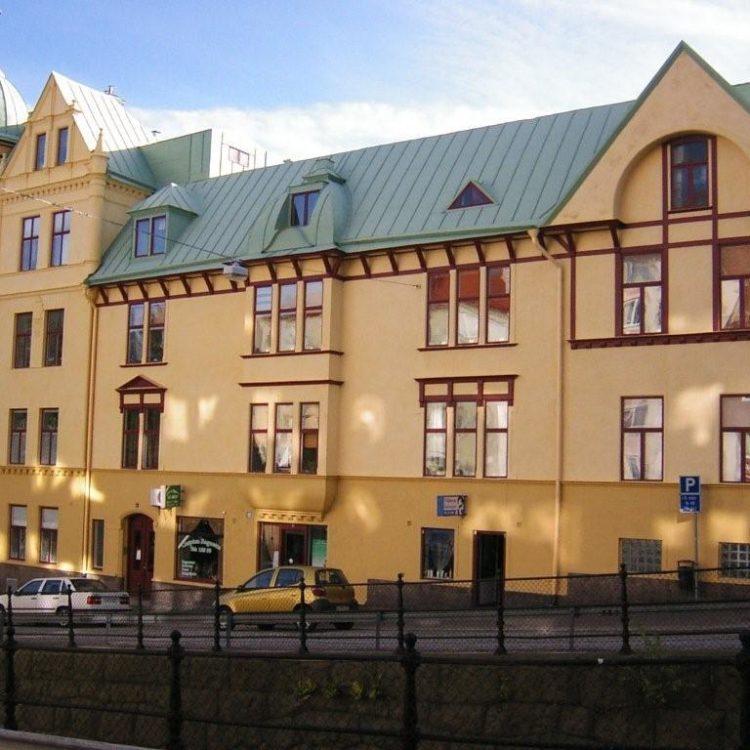Stor 2 r o k på Norra Kungsgatan 8 B centralt i Karlskrona